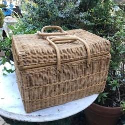 Green Courbé Garden Bench